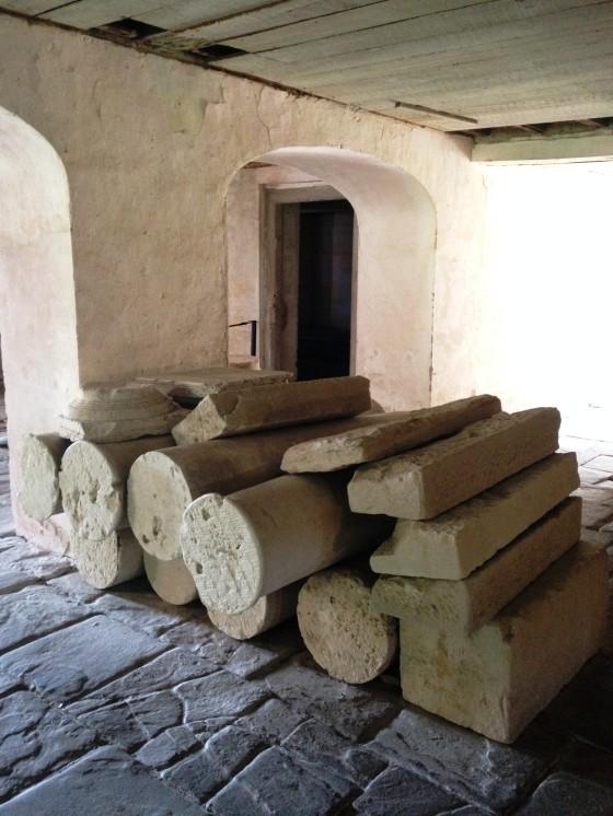 basement columns 01